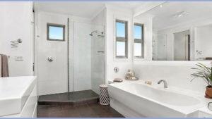 Becker---006---Bathroom
