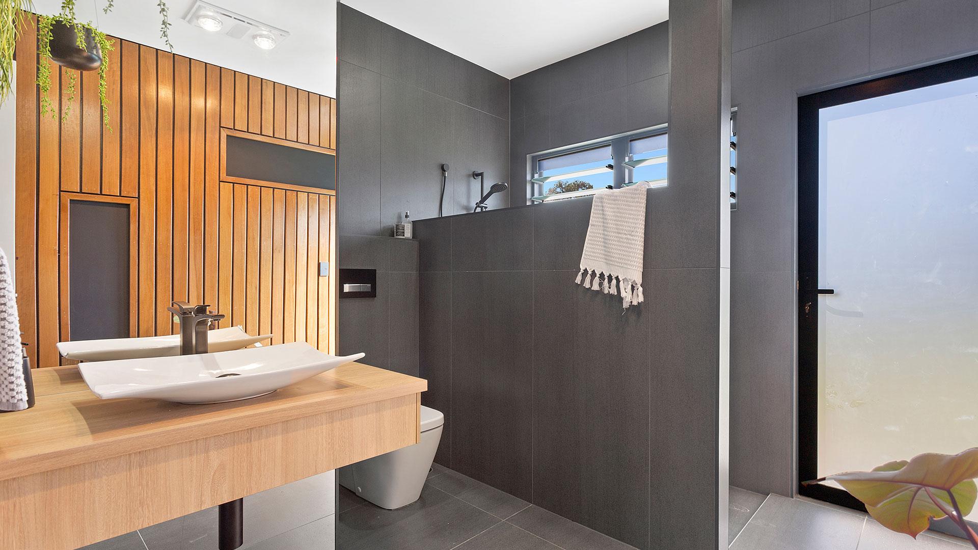 Koakai---023---Bathroom-03